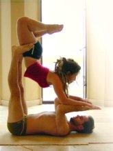 Акро-йога - парная йога