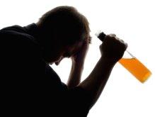 Алкогольная зависимость и методы борьбы с недугом